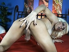 Blonde TS hottie Victoria di Prada playing with herself