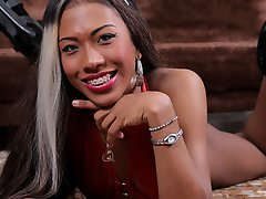 The gorgeous and sexy Pilar Grisales makes her Trans500 debut today.This beauty looks delicious in her red outfit.Perfect caramel skin and a bangin bo